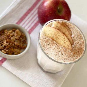 Milchshake mit Äpfeln und Zimt | Rezept für Walnut Granola von Hive